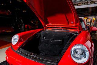 Porsche 964 Carrera 2 Coupe rood Car Service Visser