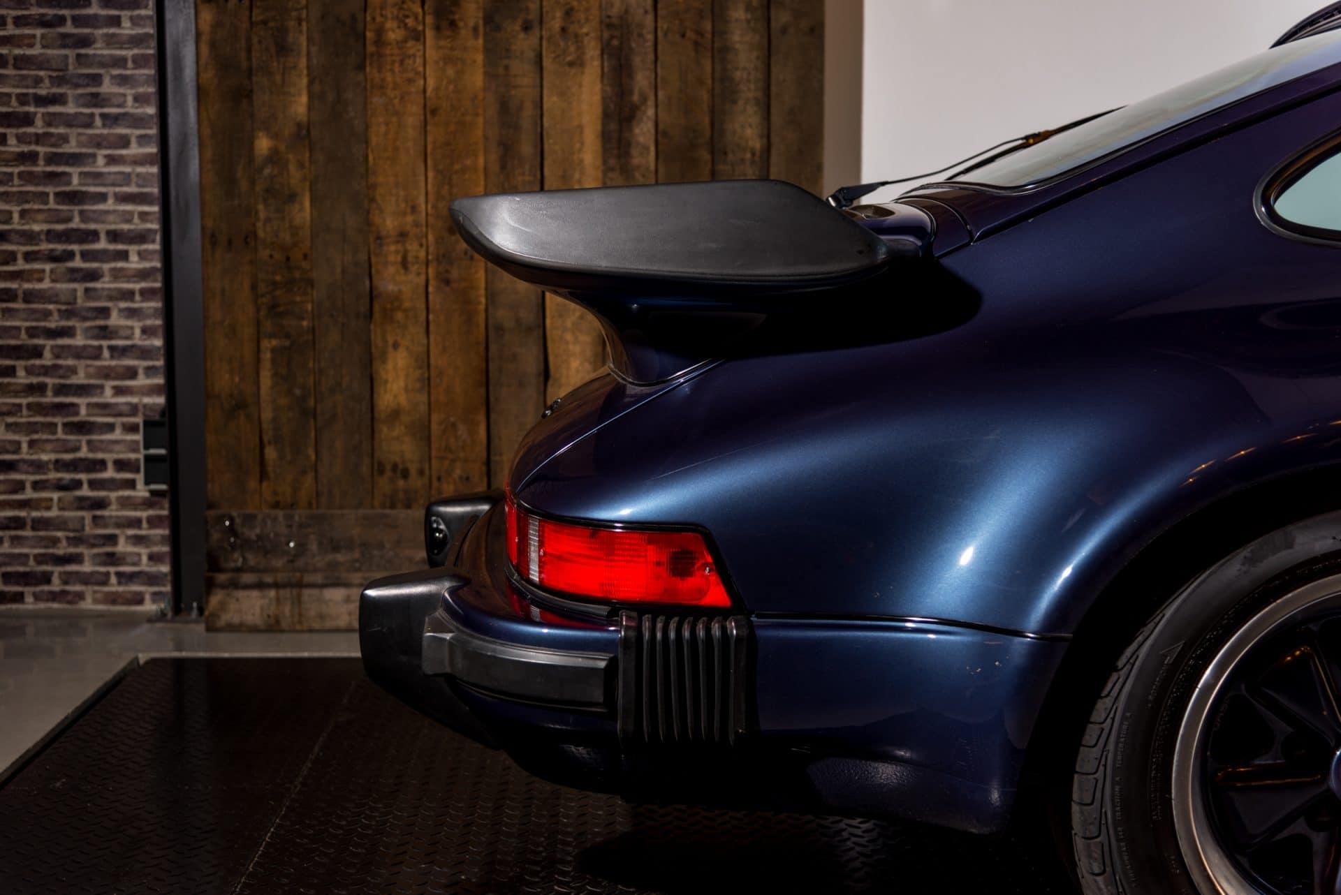 16 Porsche 930 Turbo -3