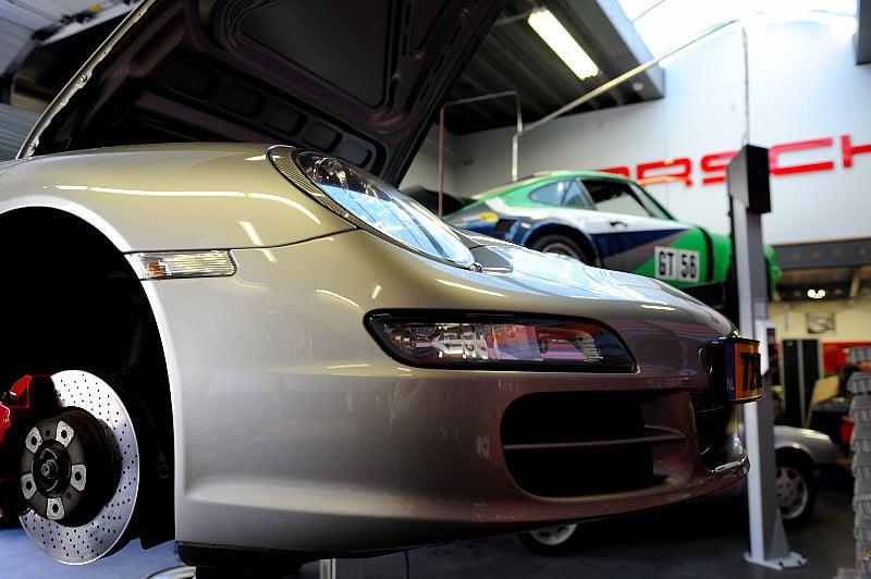 Car Service Visser gespecialiseerd in alle Porsche modellen.