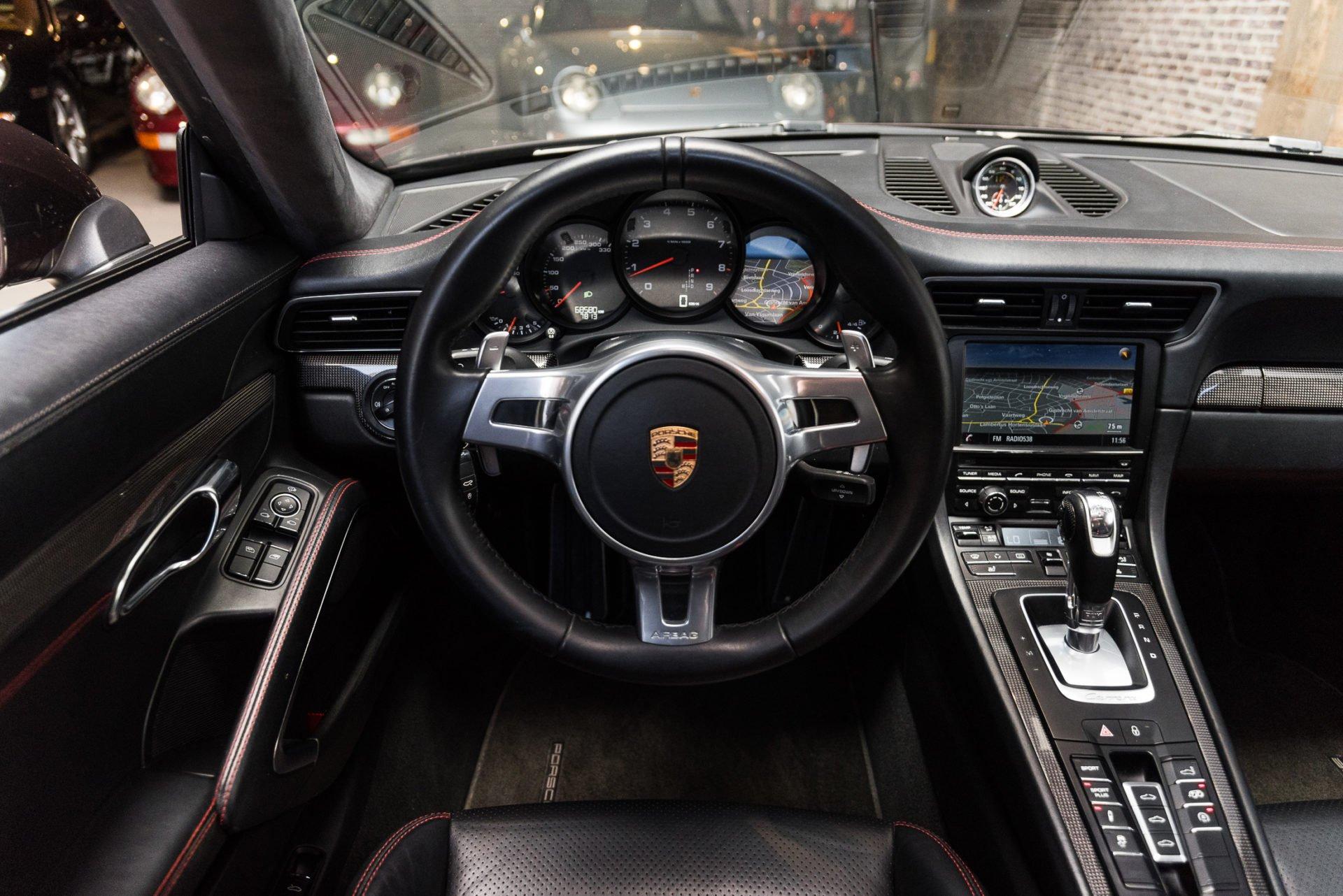Porsche 991 Carrera 4S -23