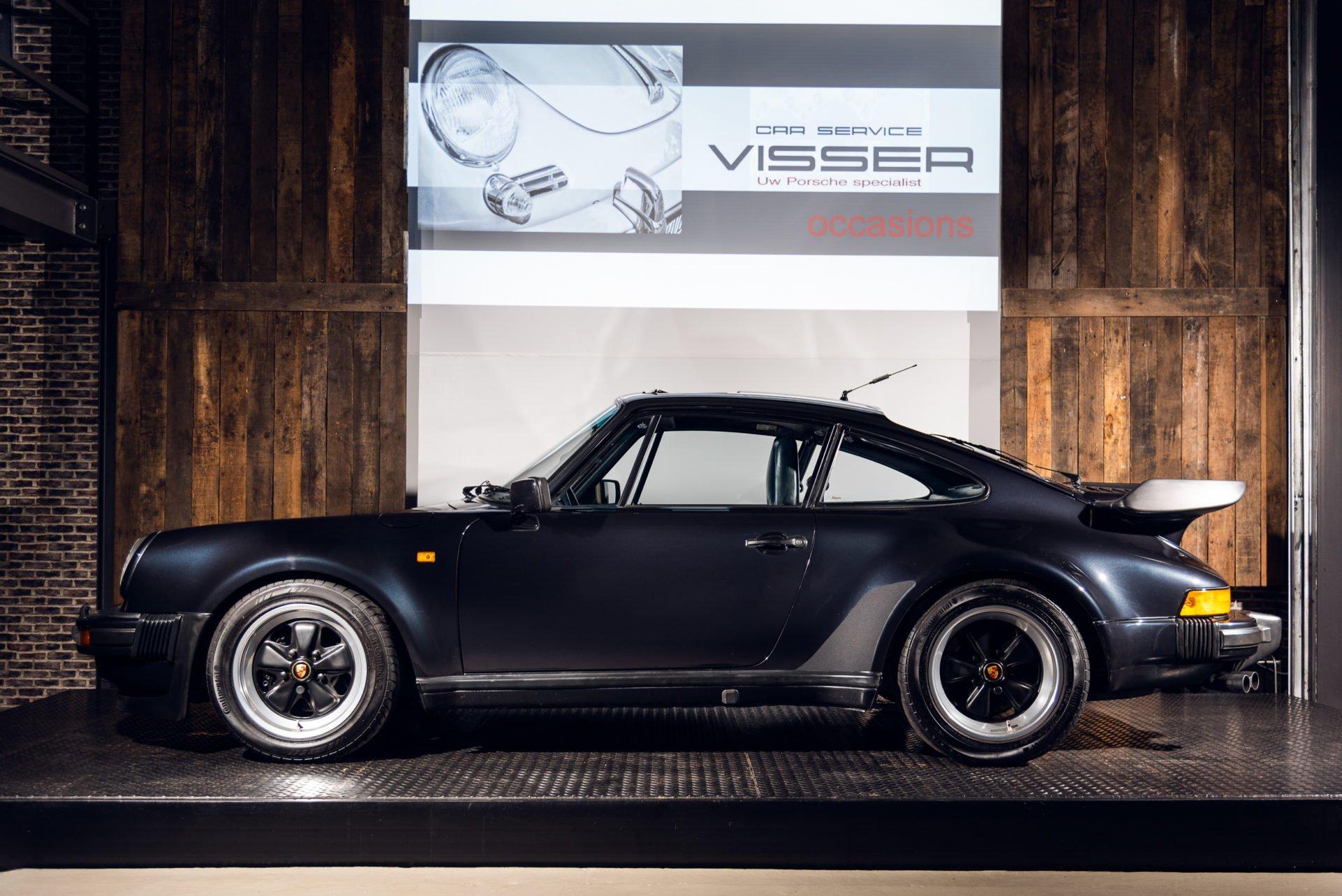 Porsche 930 Turbo - 29