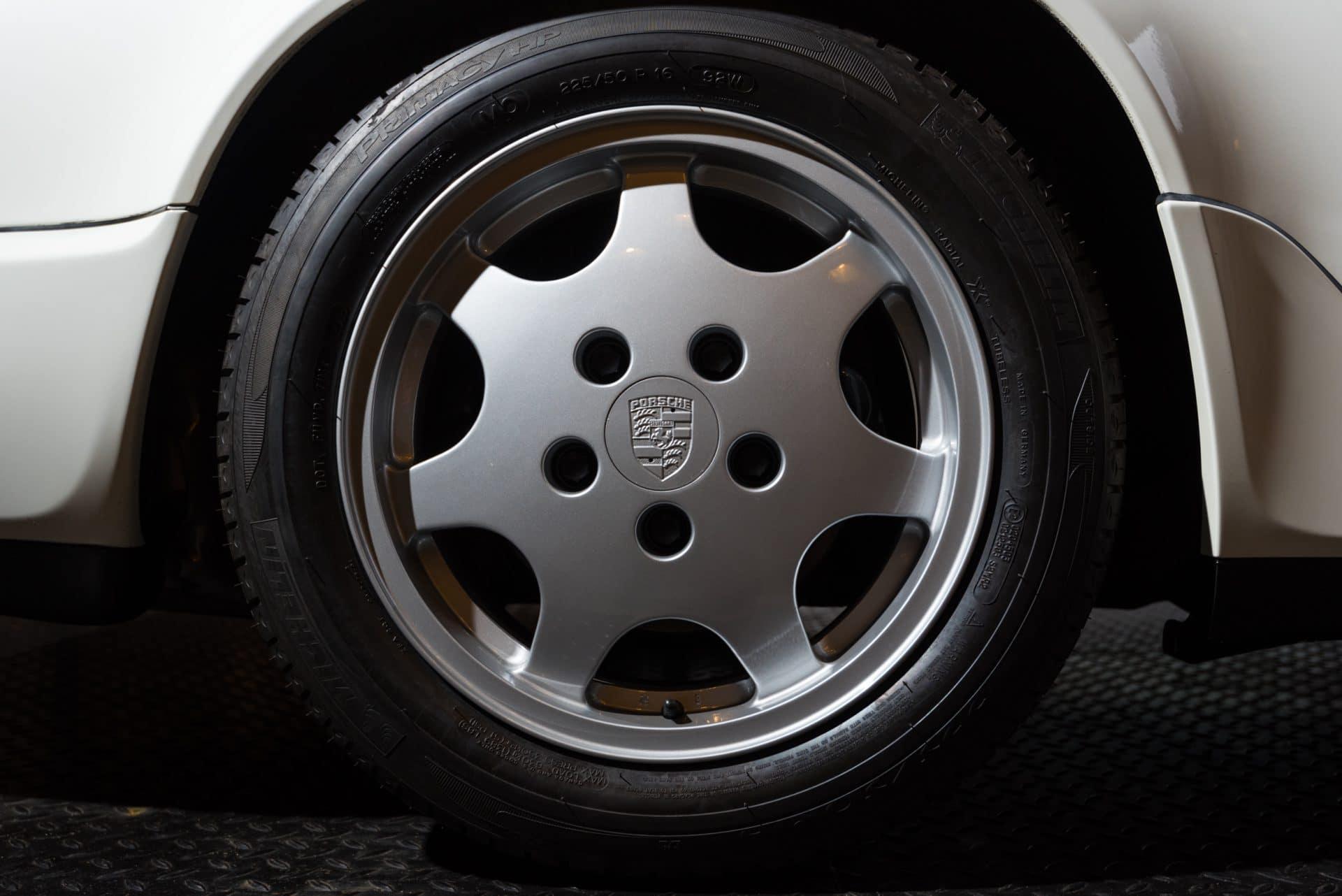Porsche 964 Carrera 2 Wit -1
