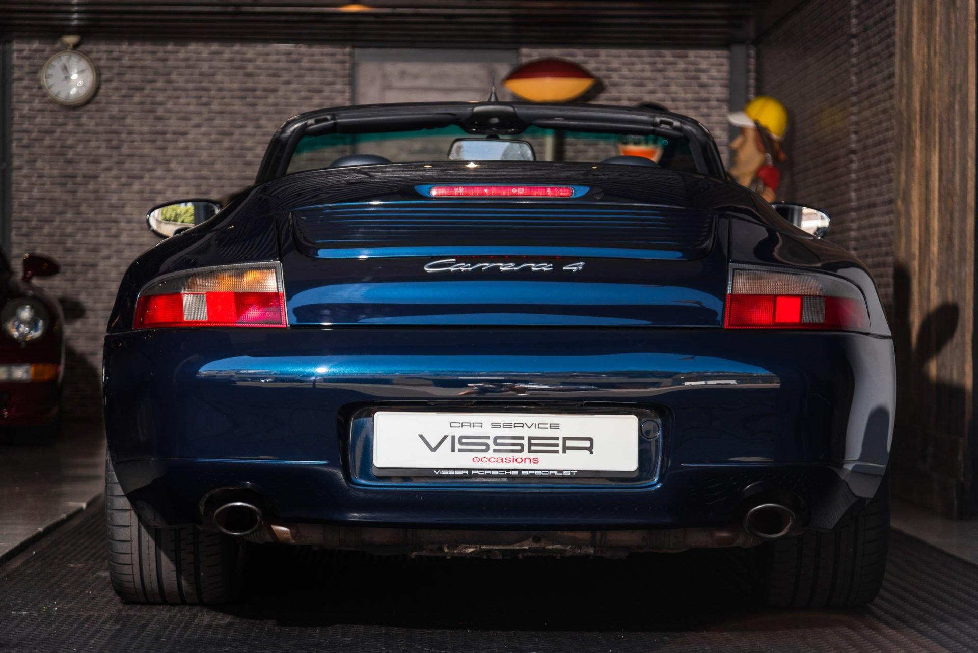 Porsche 996 Carrera 4 Cabrio -3
