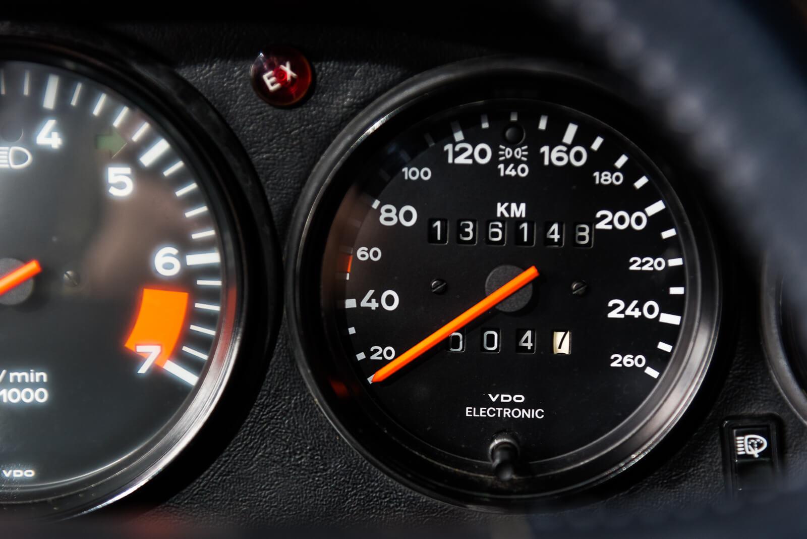 Porsche Carrera 3.2 - Blauw - 10