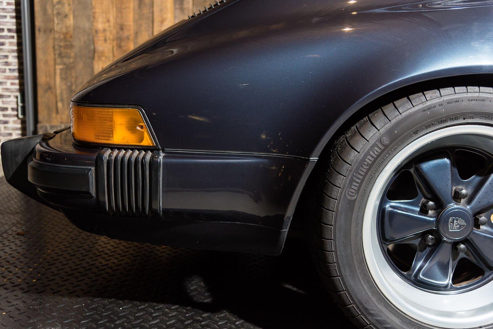 Porsche Carrera 3.2 - Blauw - 18
