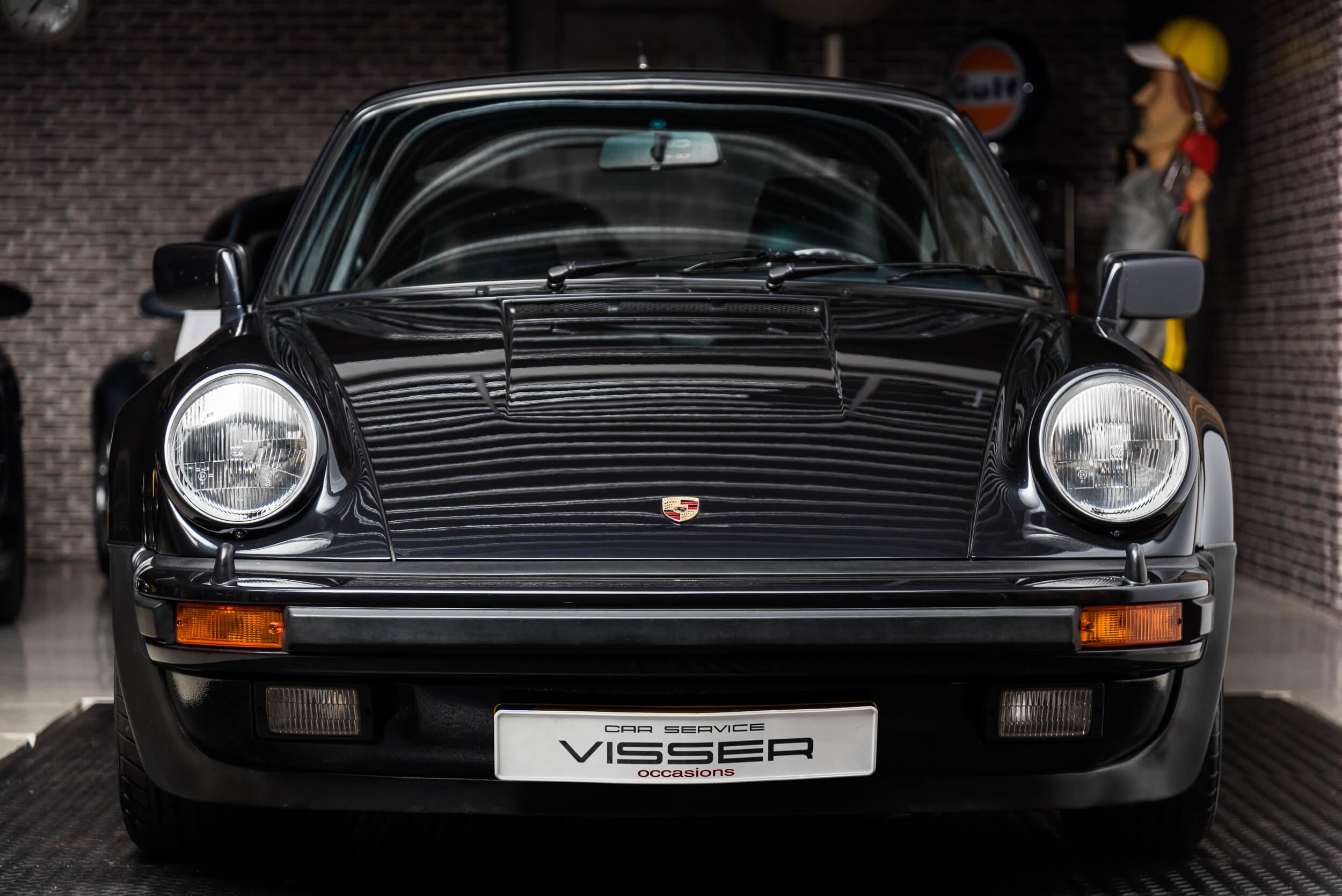 Porsche 930 Turbo - 1