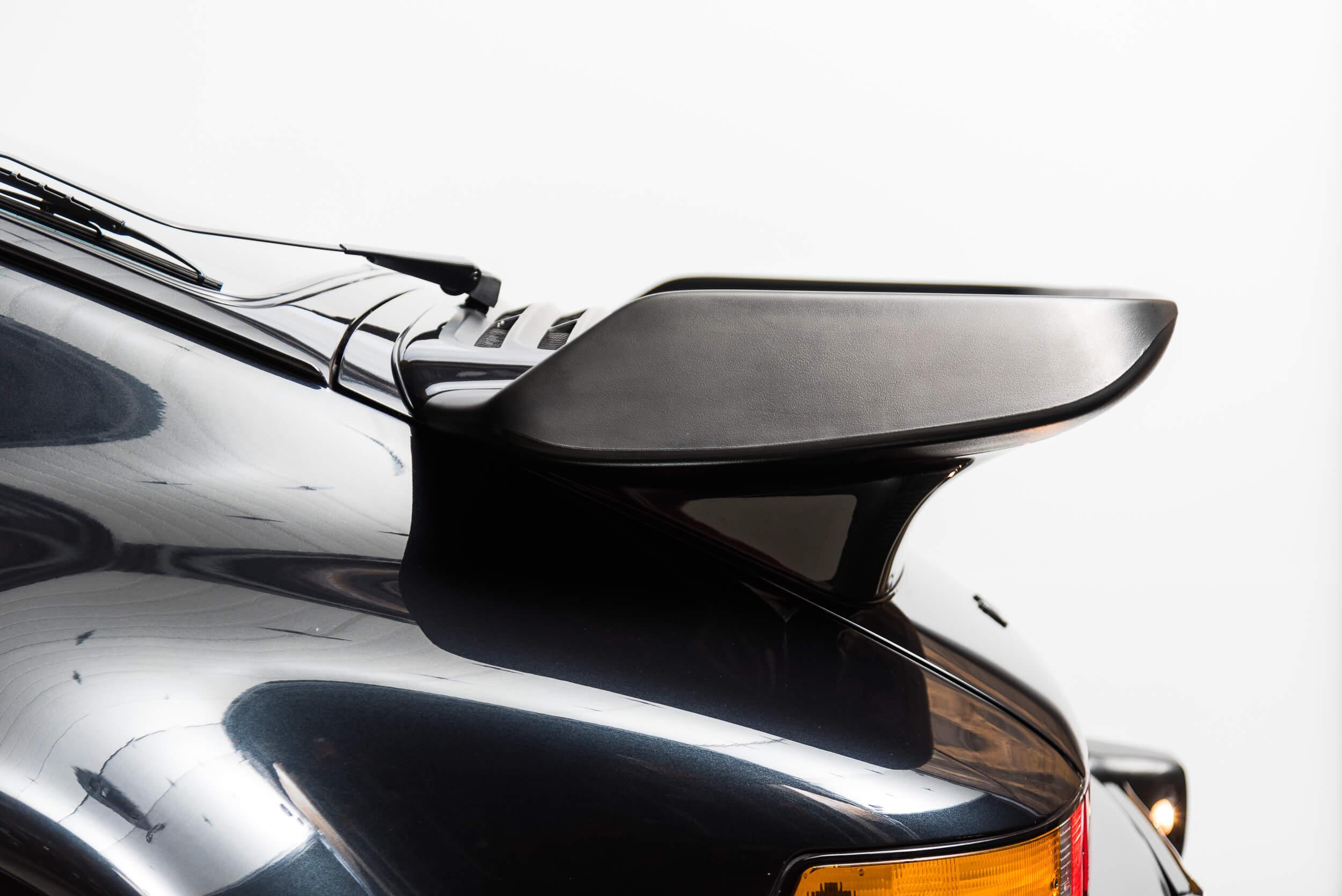 Porsche 930 Turbo - 13