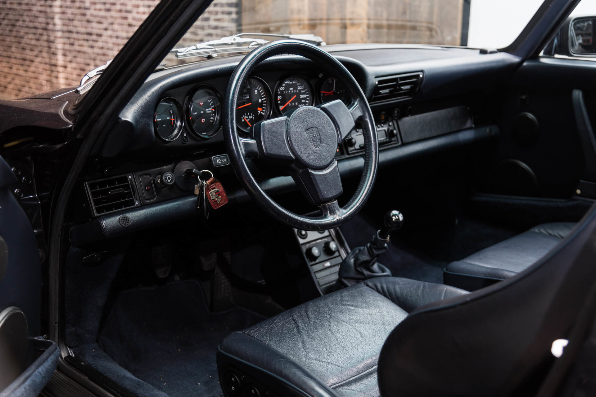 Porsche 930 Turbo - 17