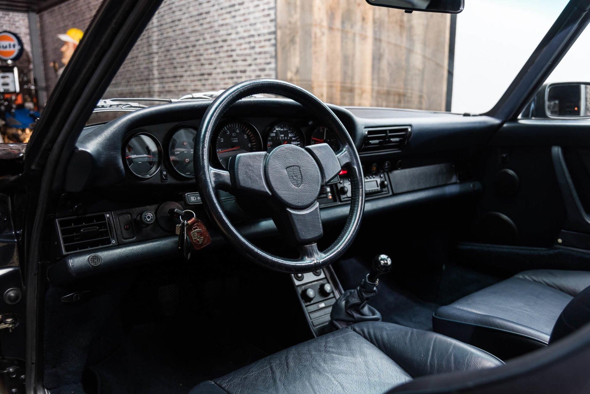 Porsche 930 Turbo - 19