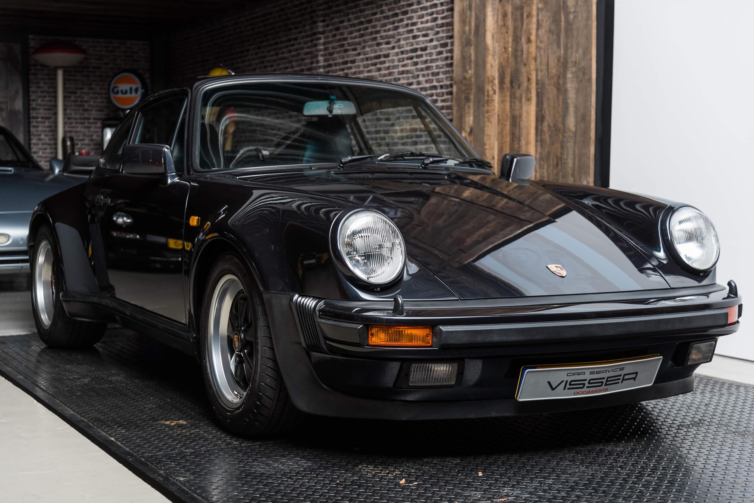 Porsche 930 Turbo - 2