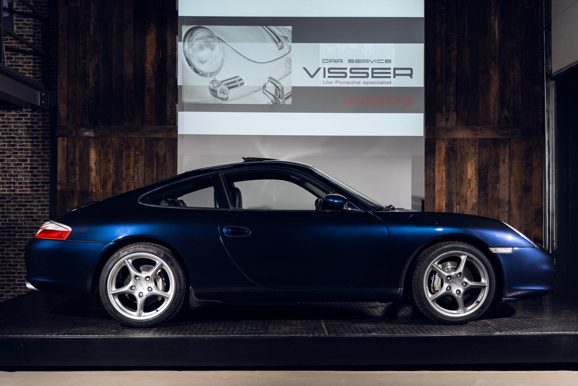 Porsche 996 Carrera 4 - 32
