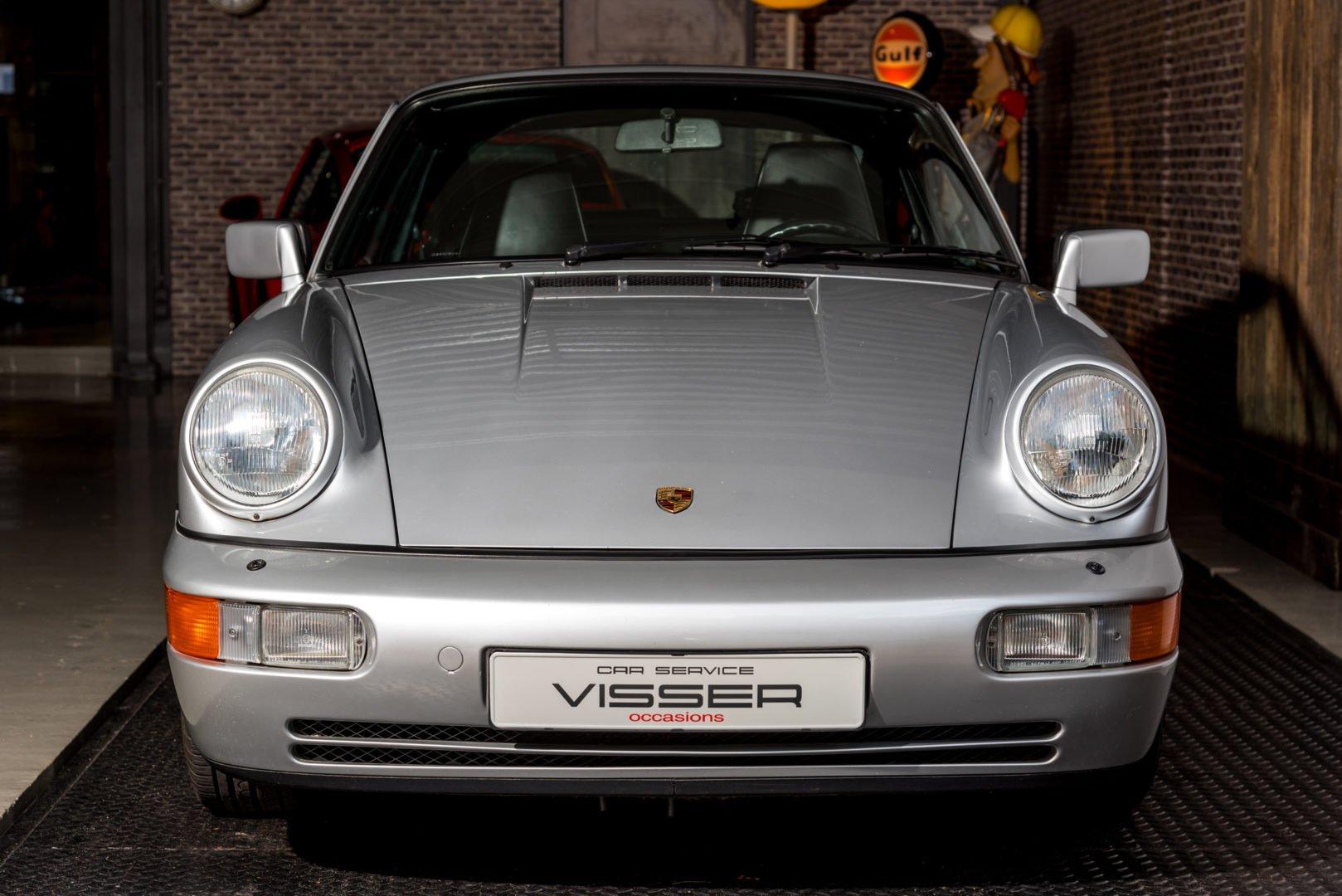 Porsche 964 Carrera 4 handgeschakelde coupé Silber-met.