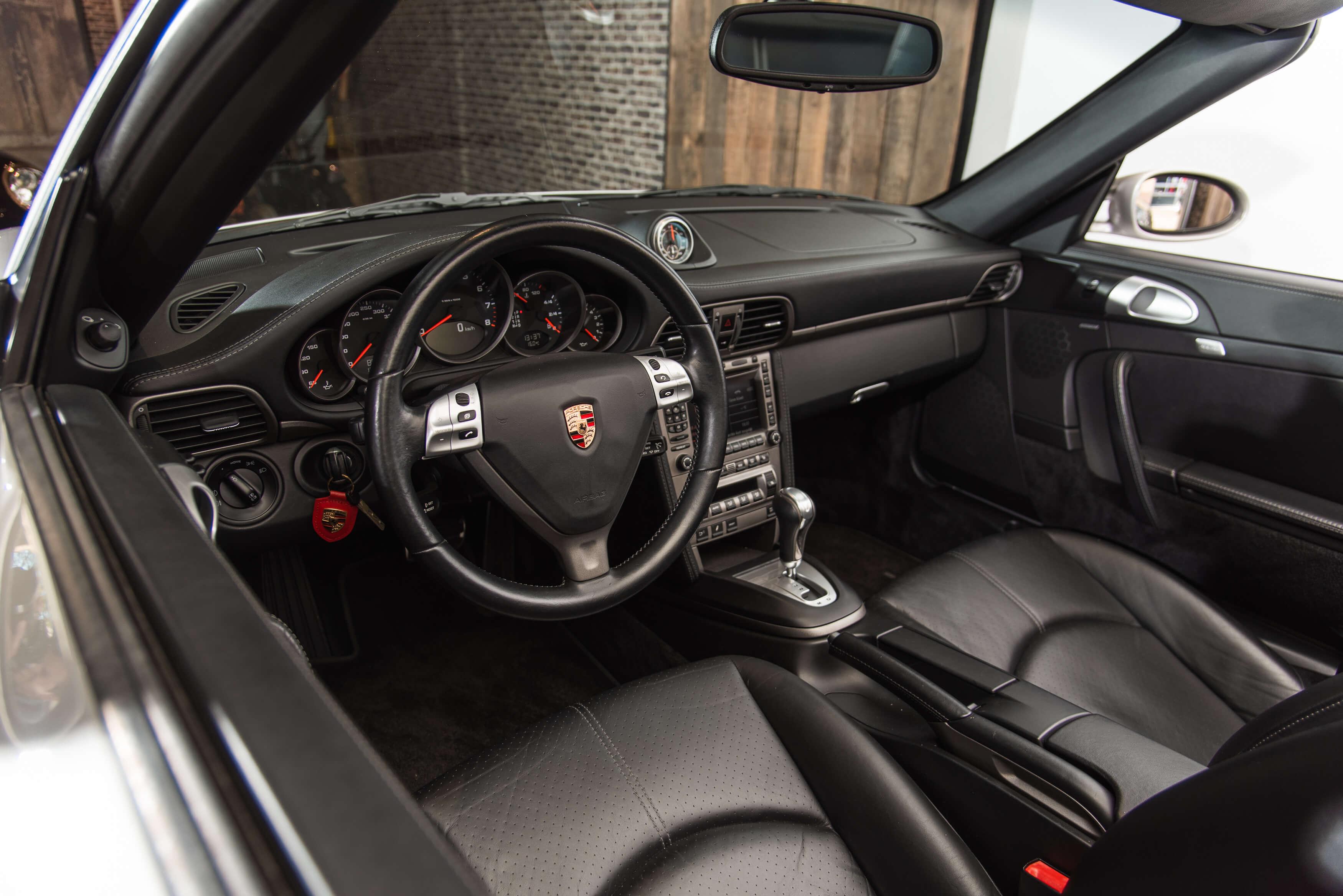 Porsche 997 Carrera 2 automaat Car Service Visser gespecialiseerd in Porsche - 16