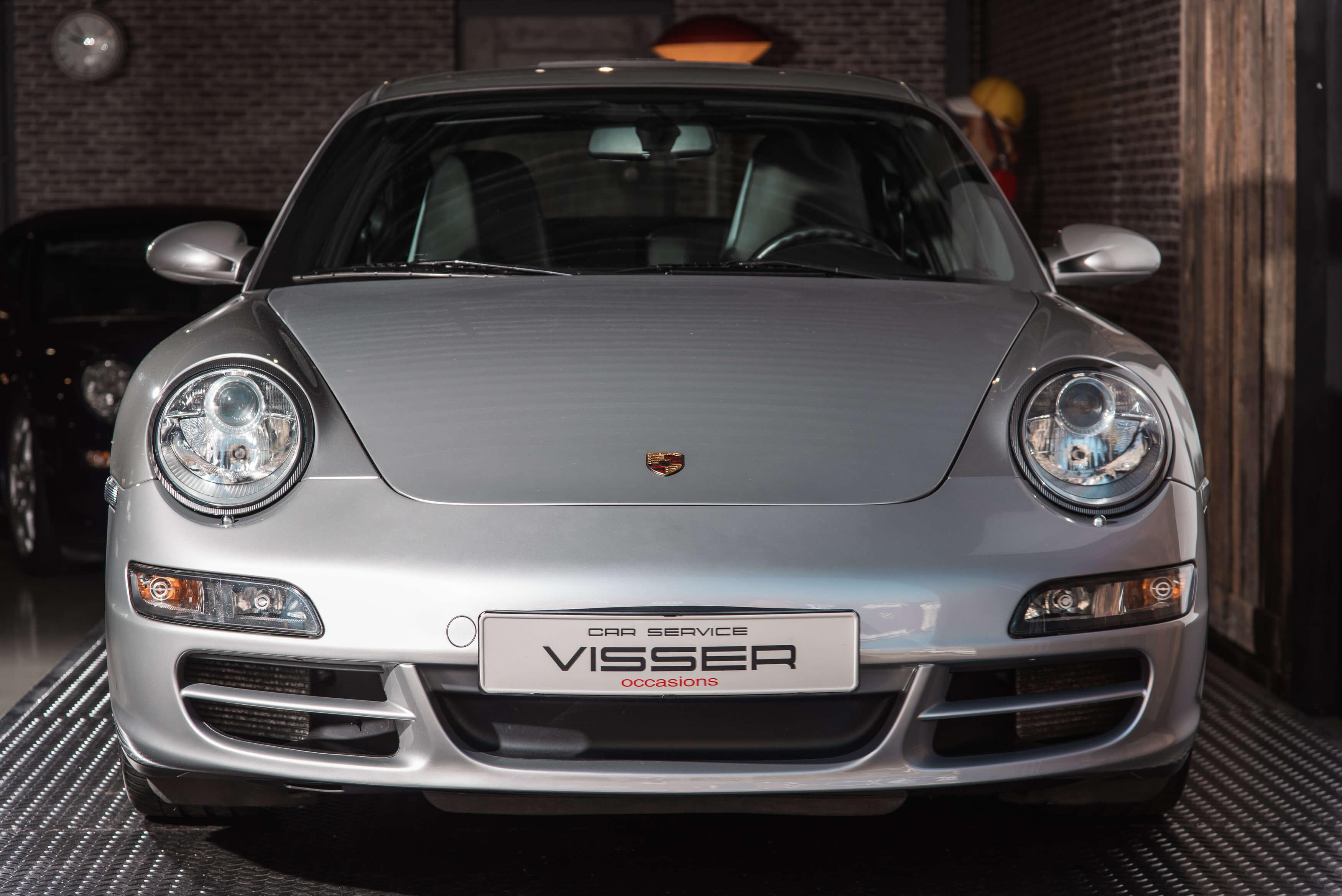 Porsche 997 Carrera S handgeschakeld Car Service Visser gespecialiseerd in Porsche - 1