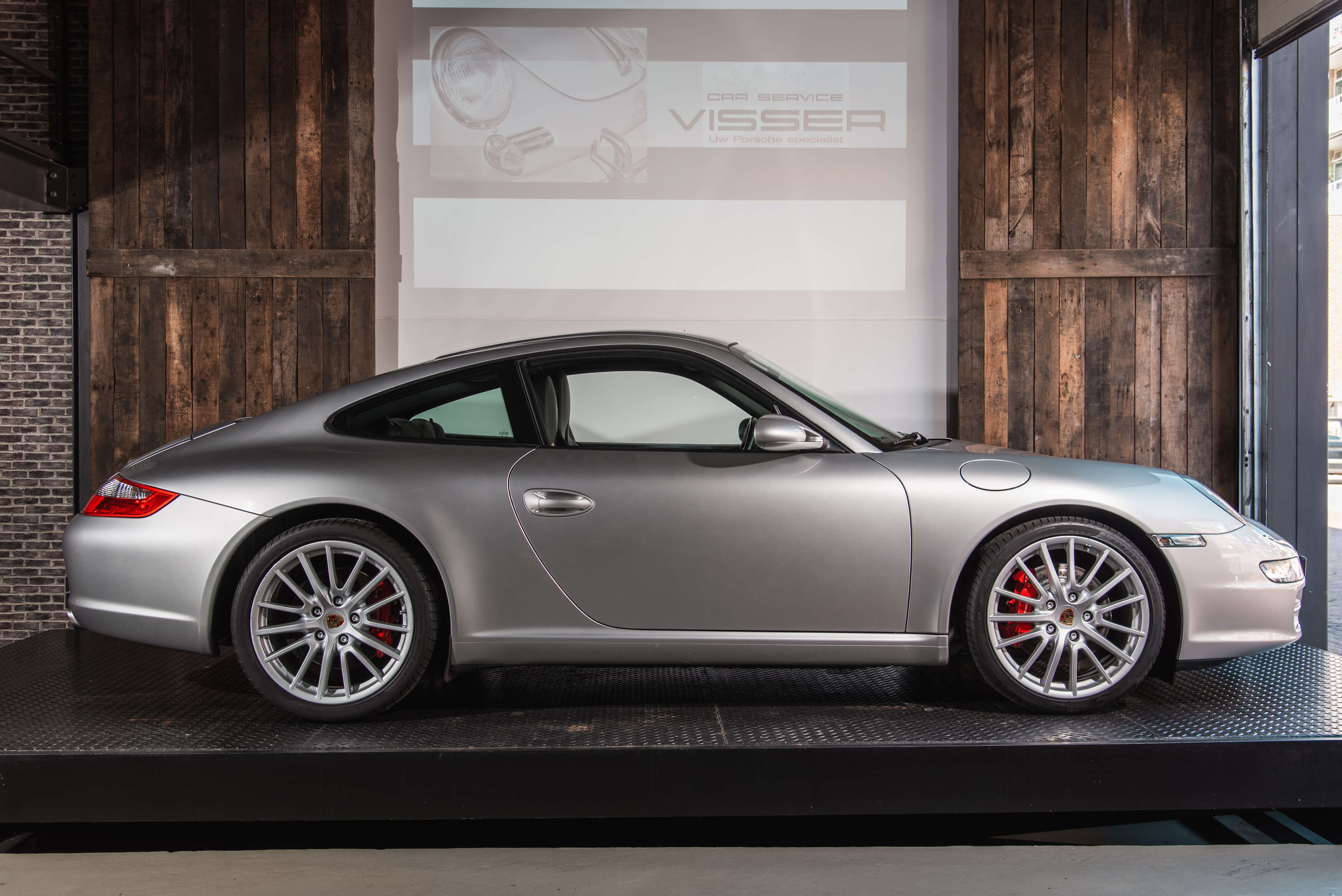 Porsche 997 Carrera S handgeschakeld Car Service Visser gespecialiseerd in Porsche - 2