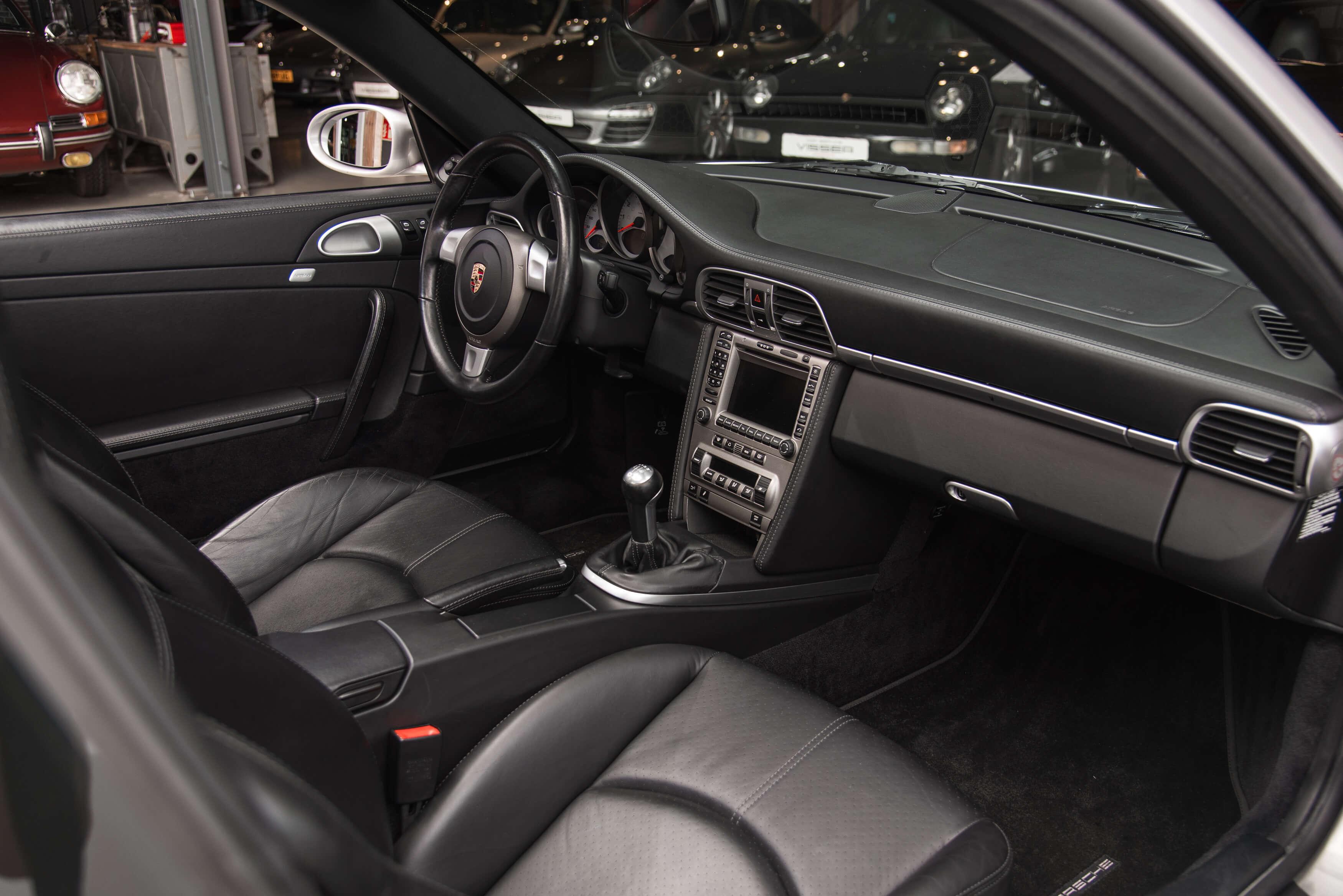 Porsche 997 Carrera S handgeschakeld Car Service Visser gespecialiseerd in Porsche - 29