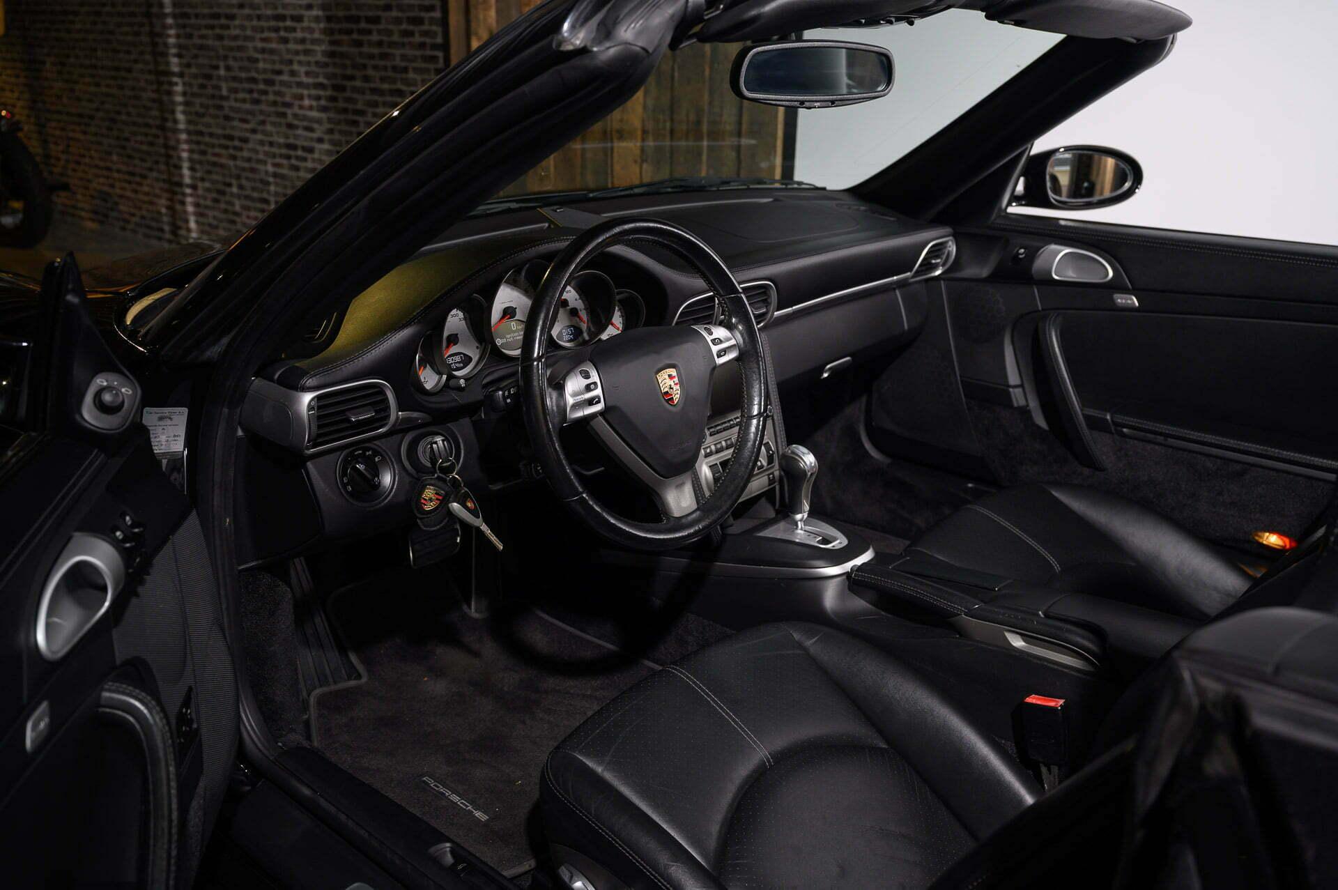 997 CARRERA S CABRIOLET BASALTSCHWARZ Car Service Visser Gespecialiseerd in Porsche