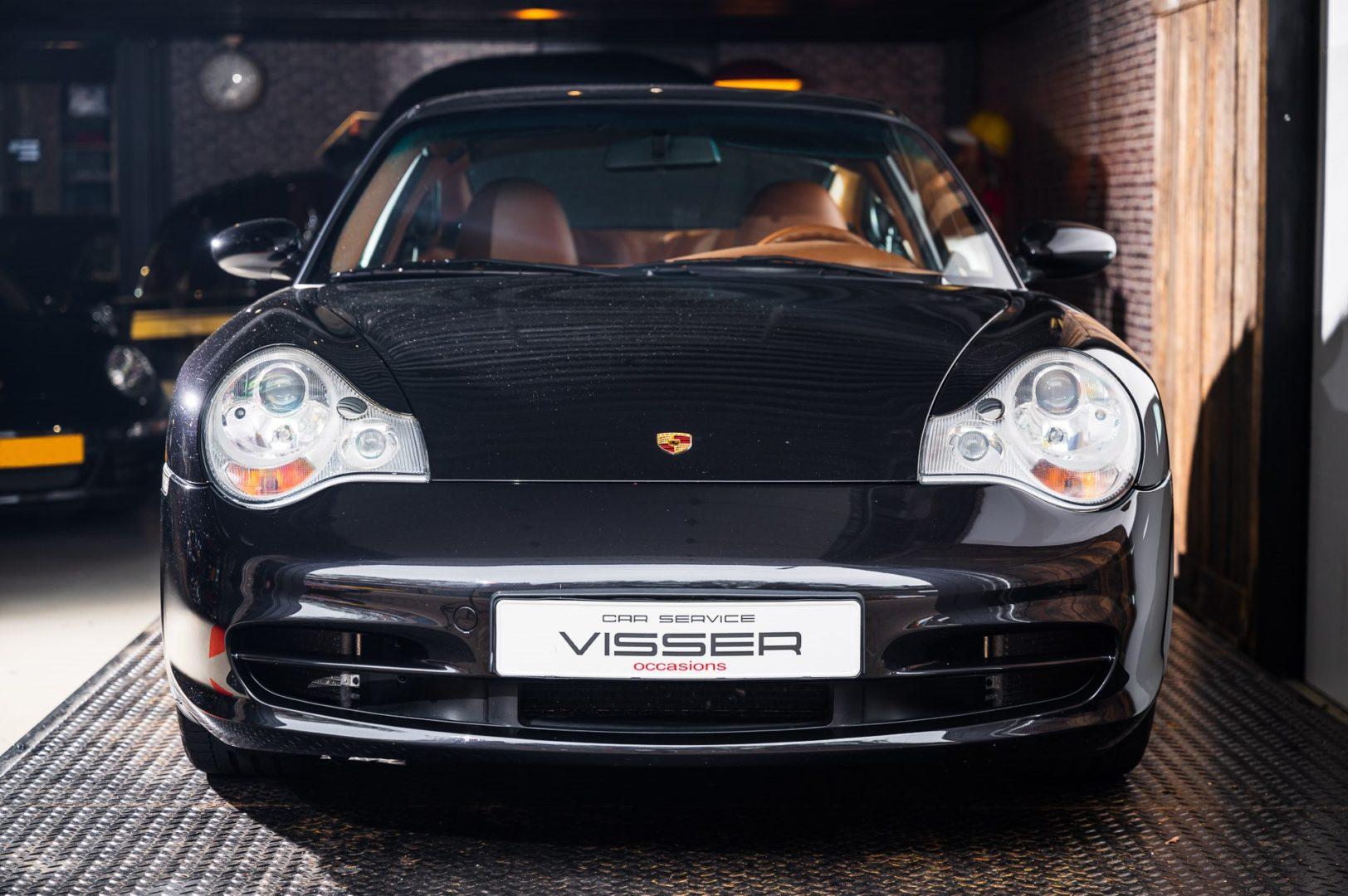 Porsche 996 Carrera 4 Basaltschwarz-metallic